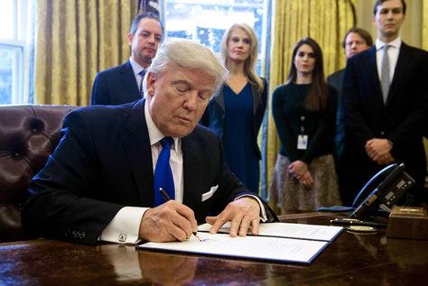 Las nuevas reglas migratorias en Estados Unidos, como afectan tu Visa de Trabajo o Inversion
